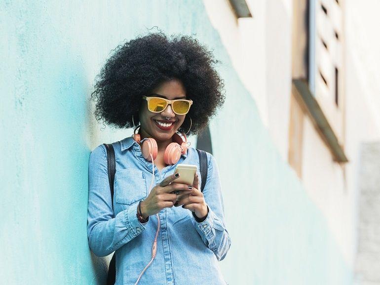 RED by SFR prolonge ses promotions : le forfait mobile 30 Go est à 10€, le 60 Go est à 15