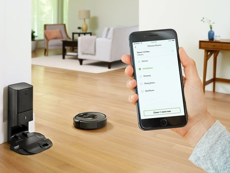 iRobot Roomba i7+ : l'aspirateur qui se vide tout seul et fonctionne avec Alexa et Google Assistant