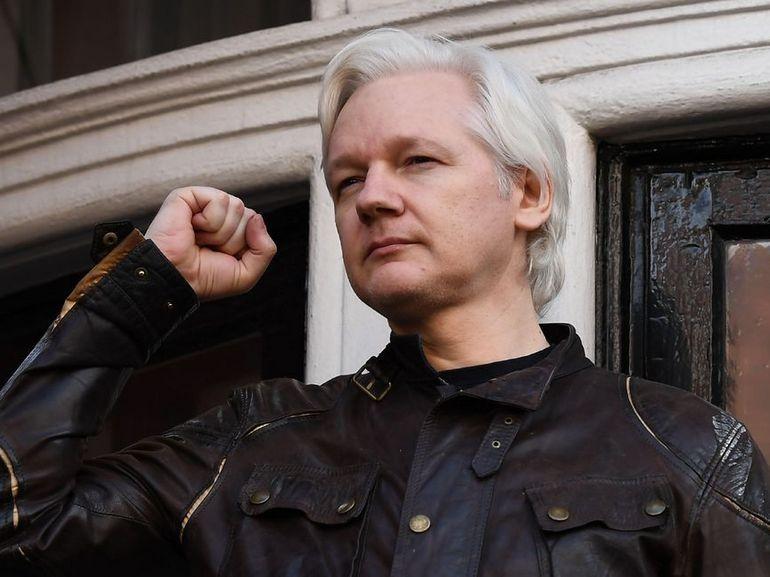 WikiLeaks : cloîtré, Julian Assange passe la main
