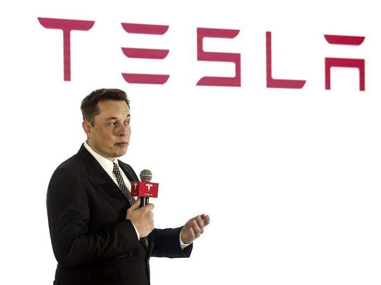 Tesla : si Elon Musk perd la présidence, il reste au volant