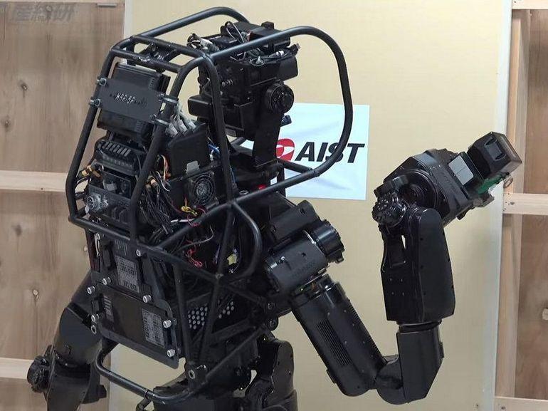 Face à la pénurie de main d'oeuvre au Japon, le robot humanoïde HRP-5P a la solution