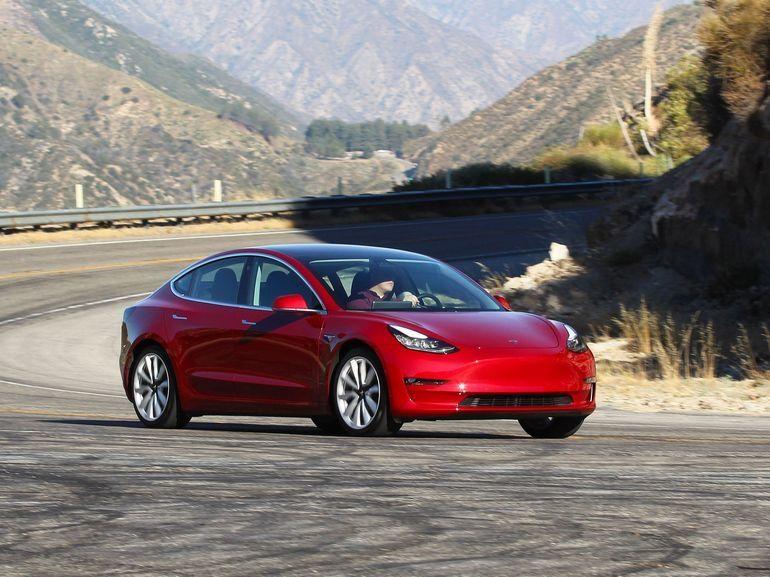Tesla annonce une Model 3 plus abordable à 45.000 dollars
