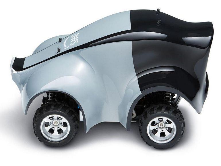 Amazon lance AWS DeepRacer, une voiture télécommandée 1/18ème dopée à l'IA