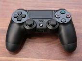 PlayStation 5 : un nouveau brevet de Sony suggère une manette avec écran tactile