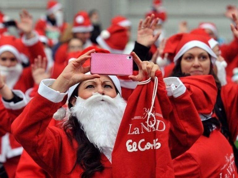 Le Noel de RED by SFR : les bons plans forfaits sur mobile et abonnement Internet
