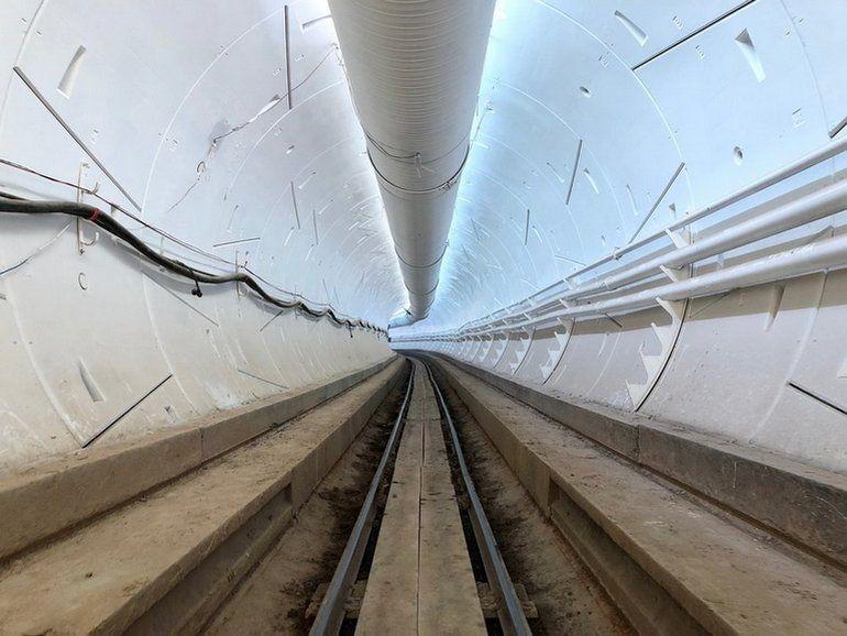 Elon Musk repousse l'ouverture du tunnel de la Boring Company à Los Angeles