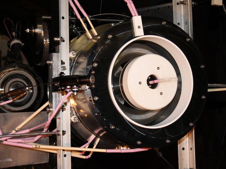 ESA : un moteur ionique alimenté par l'air, pour des satellites qui tendent vers « l'immortalité »