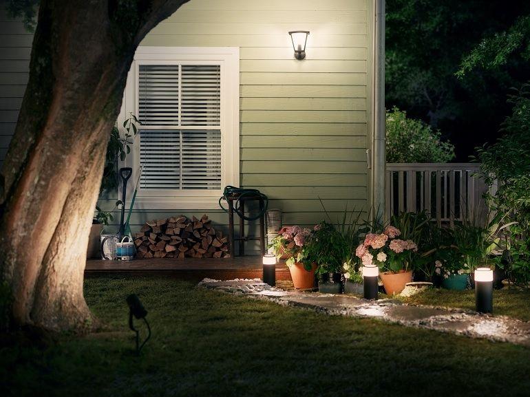 Philips Hue dévoile une gamme de luminaires connectés pour l'extérieur