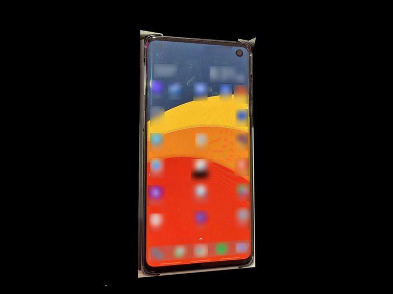 Samsung Galaxy S10 : première image de son écran Infinity-O ?