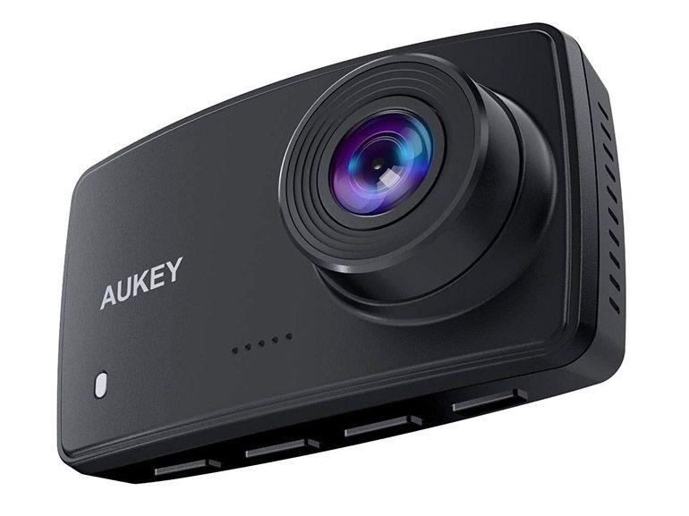 Bon plan : une Dash Cam 1080p et supports de fixation à 35,99€