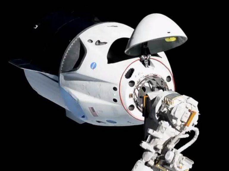 Crew Dragon : pour la première fois, des humains ont pénétré dans le vaisseau de Space X amarré à l'ISS