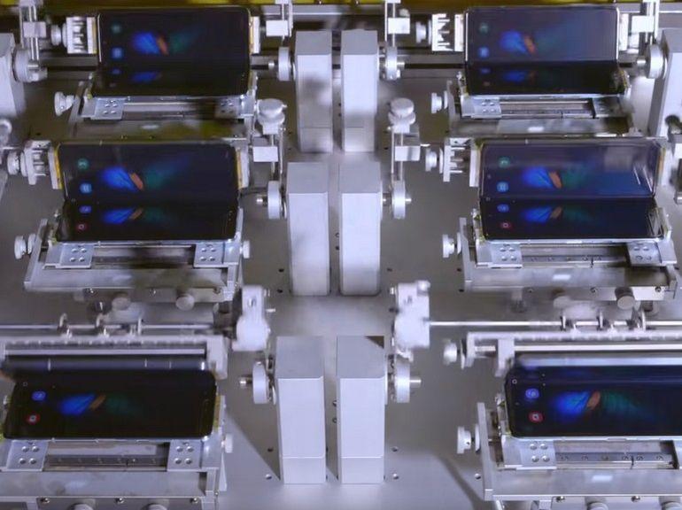 Galaxy Fold : découvrez la vidéo du stress test de l'écran pliable