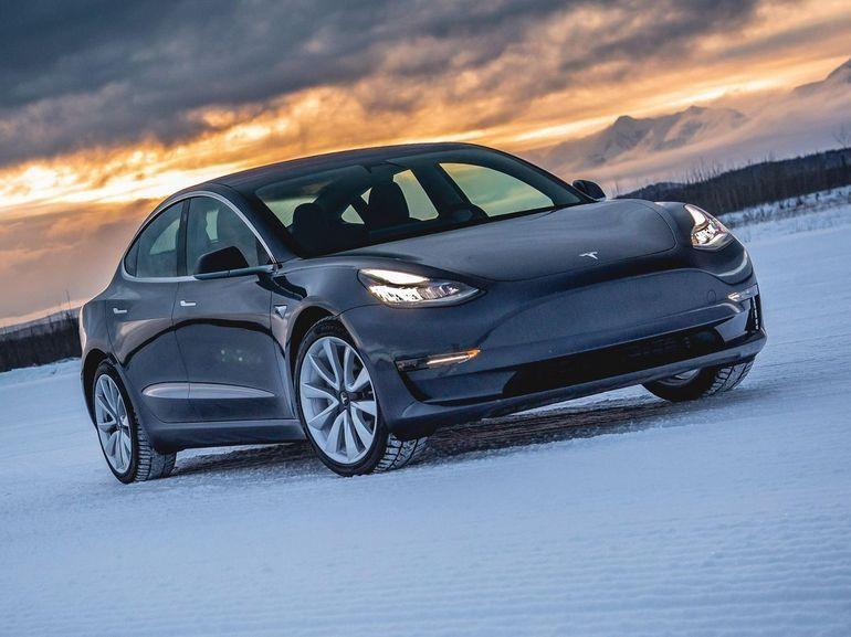 Tesla Model 3, une batterie 100 kWh en approche pour une autonomie record ?