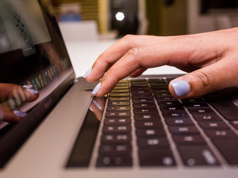 Apple repense le clavier des MacBook Pro et étend le programme de remplacement à tous les claviers papillon