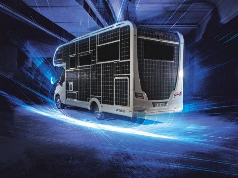 Un camping-car électrique et solaire entiérement autonome en énergie