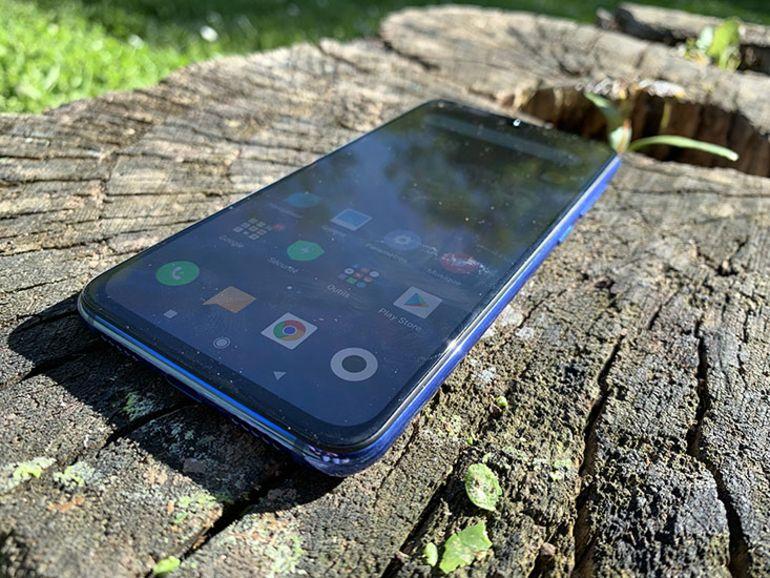 Test Xiaomi Mi9 SE, un look de dandy et des performances d'athlète