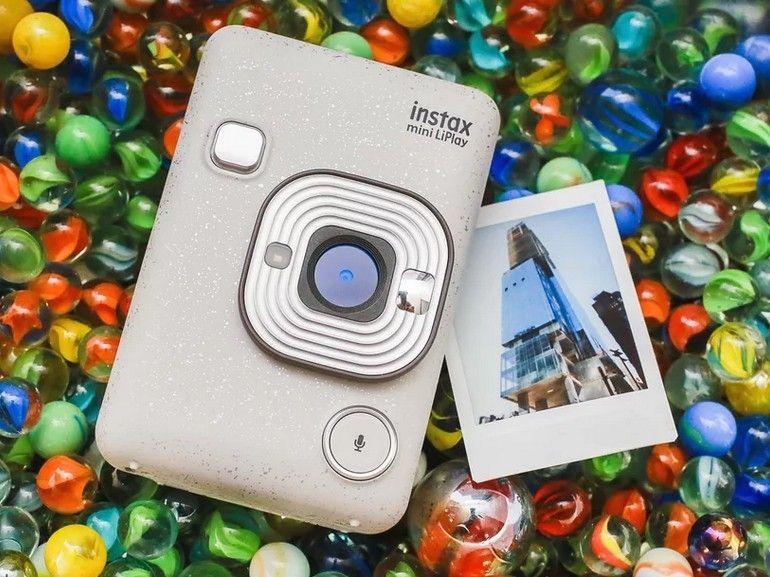 Fujifilm Instax Mini LiPlay : le plus petit et le plus léger des appareils photo hybrides instantanés