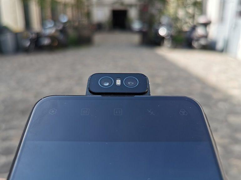 Test – Asus ZenFone 6 : avec sa Flip Camera, il évite le flop