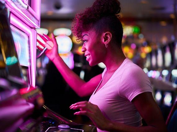 Comment les casinos nous font jouer plus d'argent grâce à l'intelligence artificielle