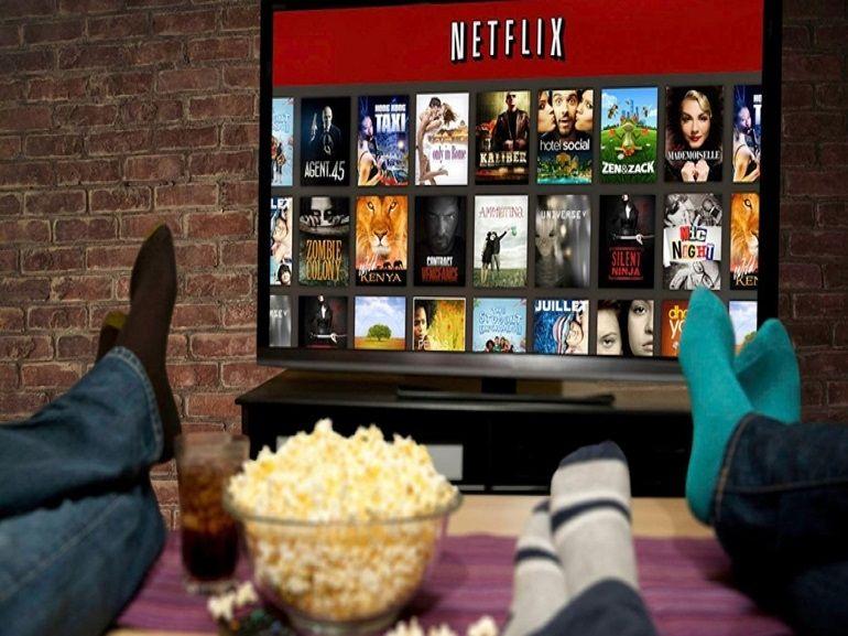 Netflix : quels films et séries regarder pour passer le week-end au frais ?