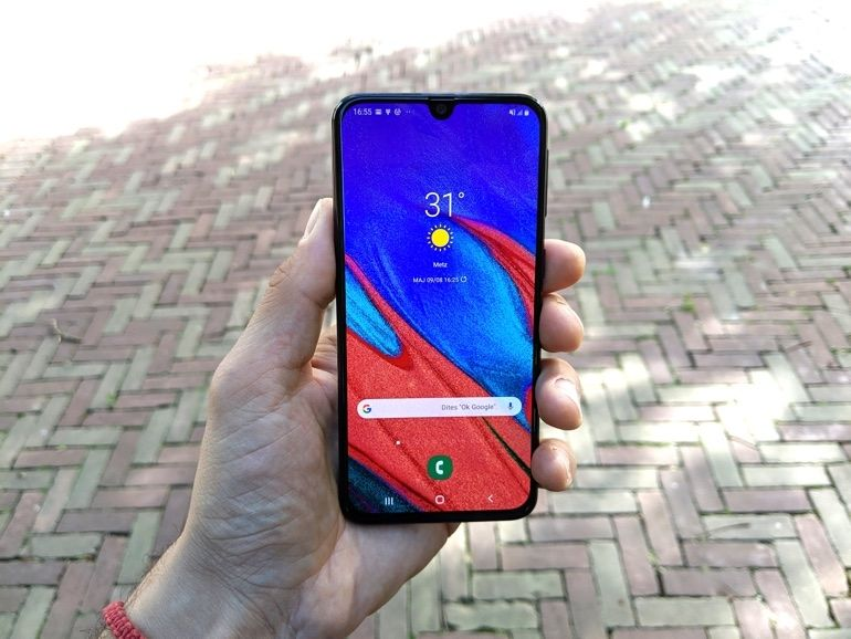 Test - Samsung Galaxy A40 : petit mais costaud