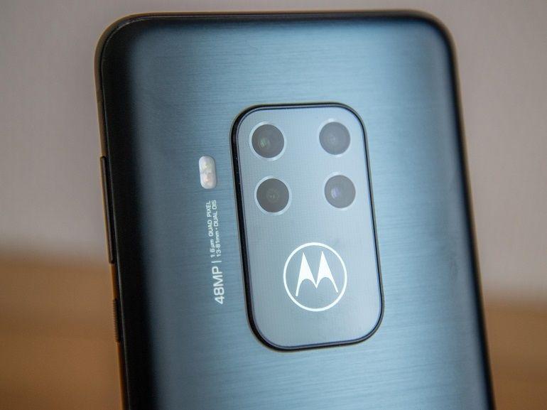 Test – Motorola One Zoom : une tendance à oublier le reste