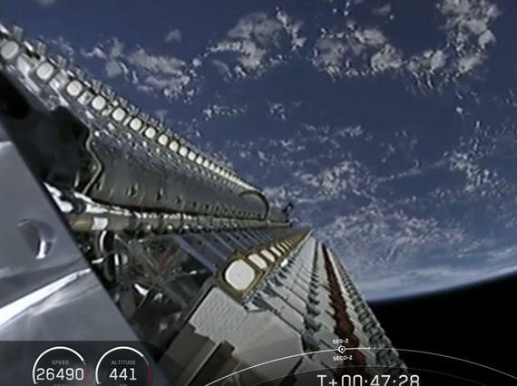 Elon Musk inaugure son Internet par satellite Starlink avec un tweet