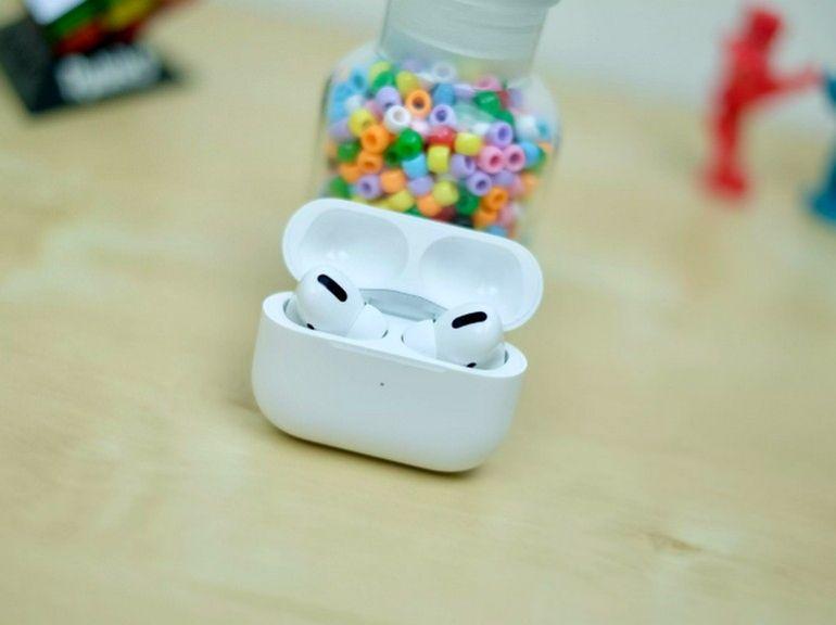 Apple AirPods 3 vs AirPods Pro : le comparatif boule de cristal