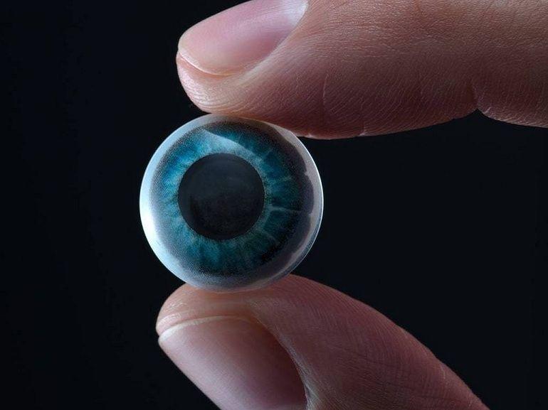 Ces lentilles connectées qui affichent des informations en réalité augmentée deviennent une réalité
