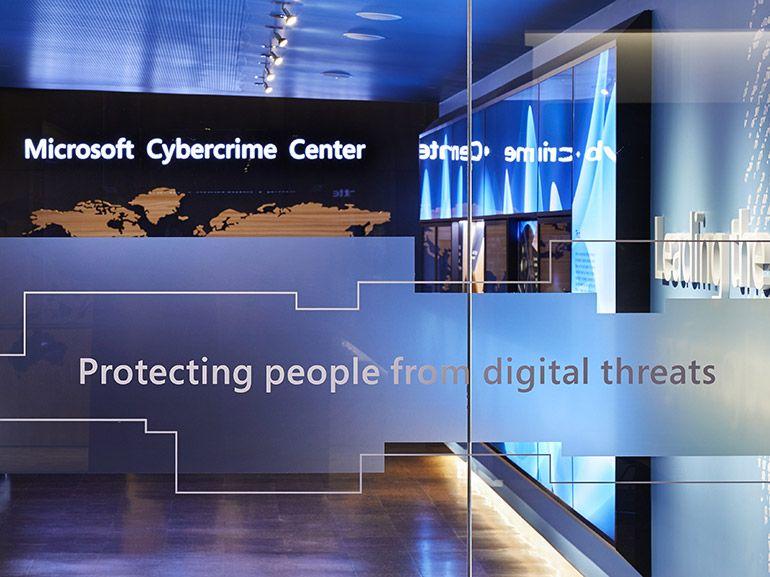 Microsoft prend la main sur 50 noms de domaines pour contrer des pirates