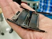Motorola Razr pliable : les secrets de sa charnière