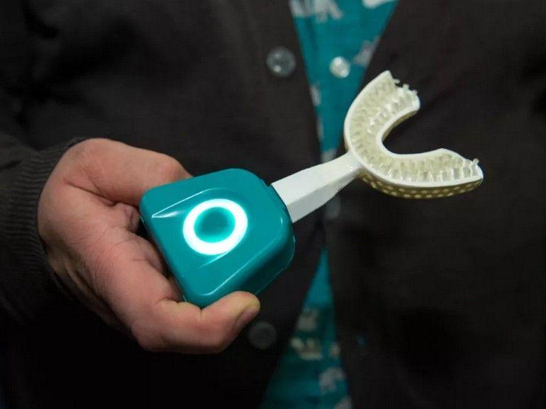 CES 2020 : Y-Brush, la brosse à dents électrique en dix secondes, est en vente
