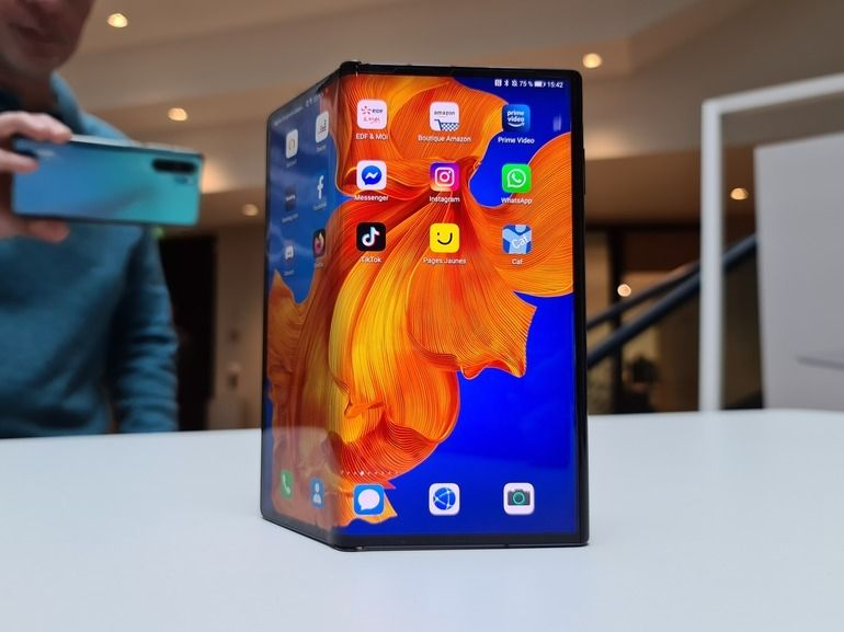 Prise en main du Huawei Mate Xs : un smartphone pliable plus solide mais fragilisé par l'absence de Google