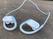 Test - Beats Powerbeats 4 : de bons écouteurs qui arrivent avec 2 ans de retard