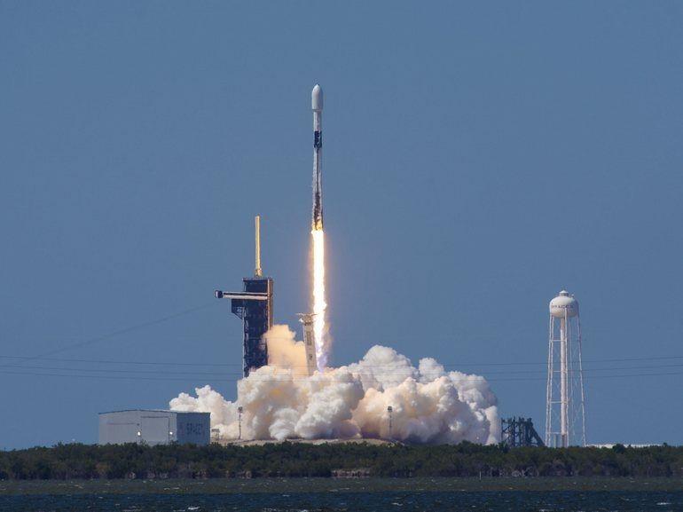 Starlink, l'Internet par satellite d'Elon Musk sera en test bêta privé d'ici trois mois