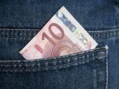 Bon plan : 100 Go à partir de 10 euros, quel forfait choisir pour mieux vivre le confinement ?