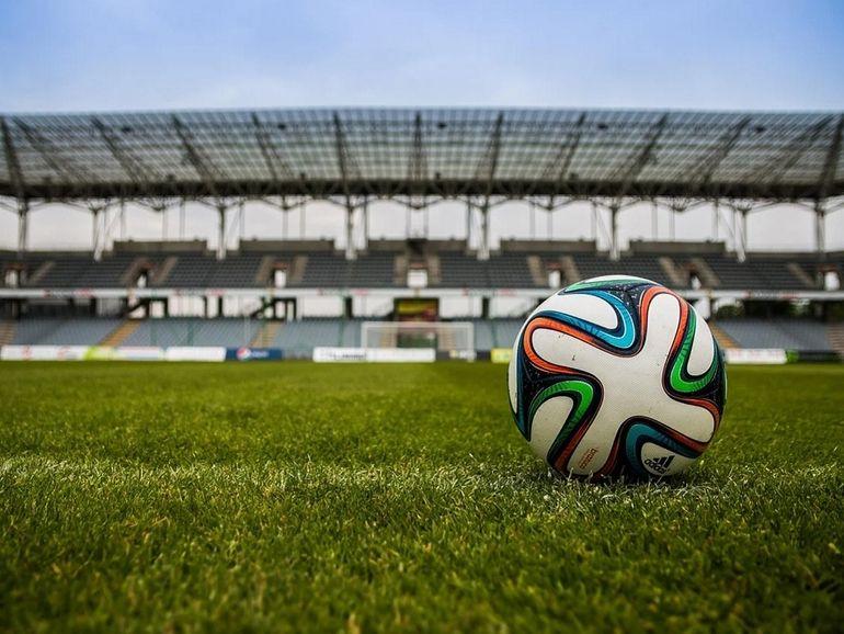 Droits TV : le bras de fer continue, Canal assigne la Ligue de football en justice