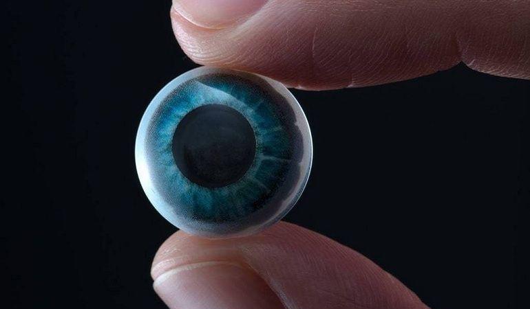 Les lentilles qui affichent des infos en réalité augmentée deviennent... réalité