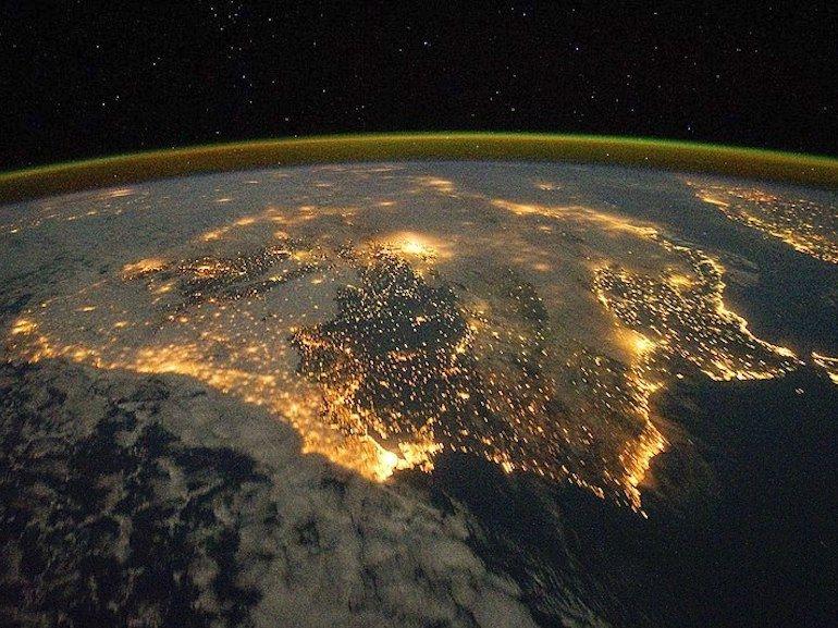 Surpopulation ou extinction : Avec 10 milliards d'humains en 2050, que deviendra l'espèce humaine ?