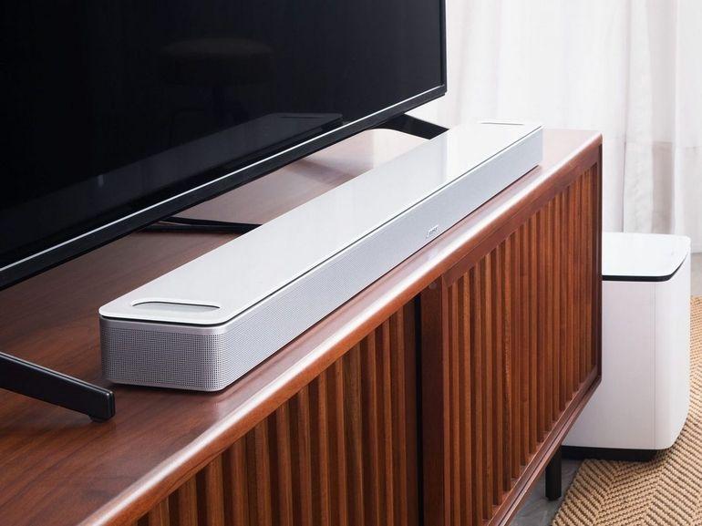Bose dévoile sa première barre de son Dolby Atmos, la Smart Soundbar 900