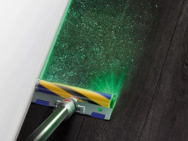 L'aspirateur Dyson V15 Detect traque la poussière avec un laser