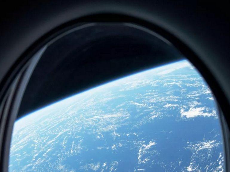 SpaceX compte envoyer ses premiers clients dans l'espace cette année