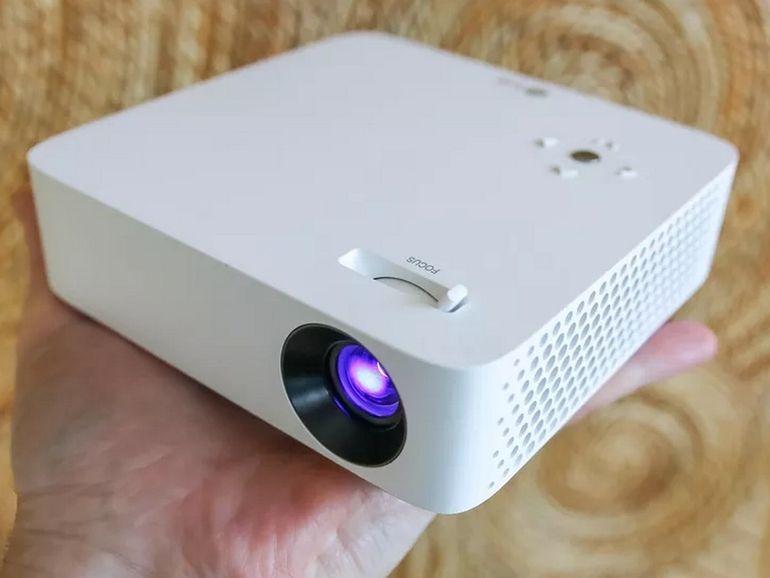 Test LG CineBeam PH30N : un vidéoprojecteur 720p ultra compact pour les budgets serrés