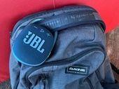 JBL Clip 4 : une bonne enceinte mais qui souffre d'une concurrence interne