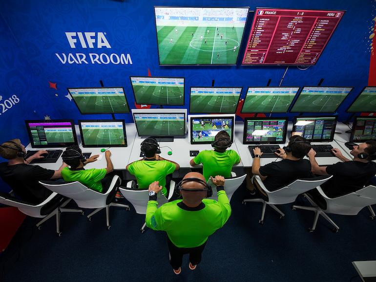 Euro 2021 : comment marche la VAR et comment va-t-elle s'améliorer