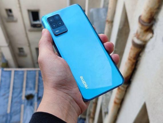 """Prise en main du realme 8 5G : que vaut """"le smartphone 5G le plus abordable du marché français"""" ?"""