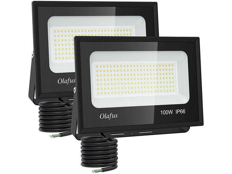 2 Projecteurs LED d'extérieur pour les soirées d'été à 49€ au lieu de 79€