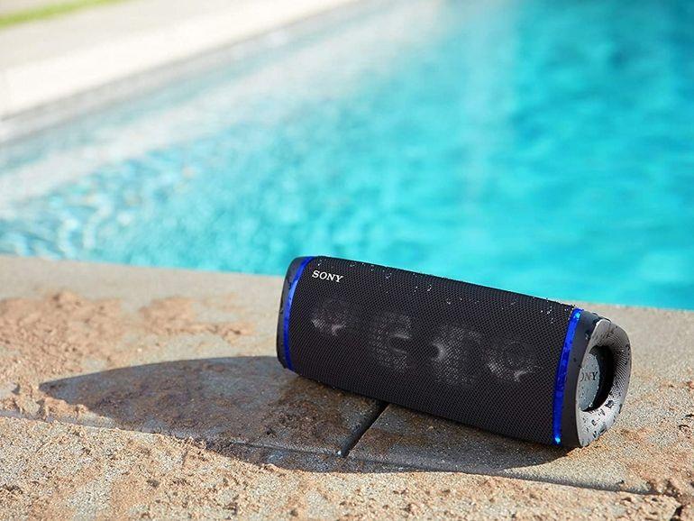 Sony SRS-XB43 : l'enceinte portable idéale pour s'ambiancer pendant l'été est en promo sur Amazon (-26%)