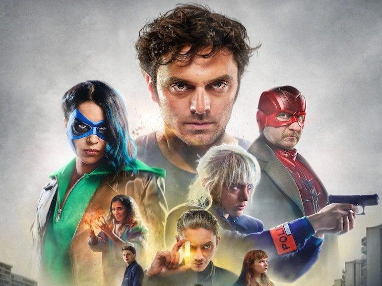 Comment je suis devenu super-héros (critique) : faut-il regarder le nouveau film de Netflix ?