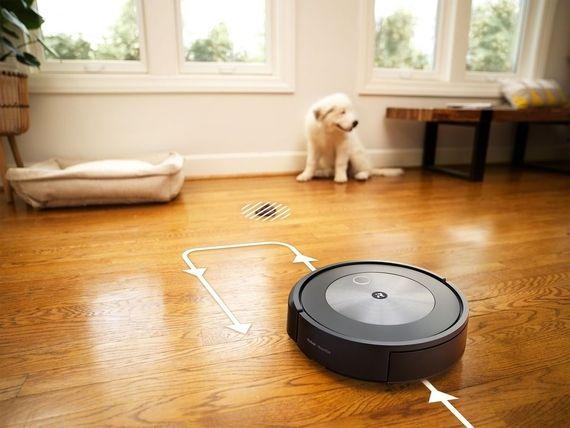 iRobot Roomba j7+, un aspirateur robot capable d'éviter tous les obstacles (même les déjections d'animaux)